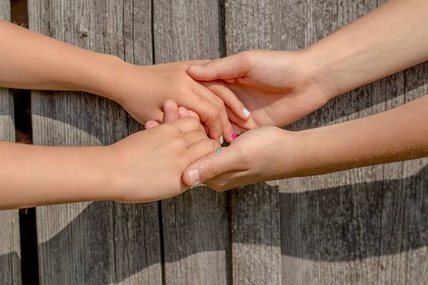 mãos ajuda solidariedade