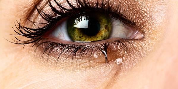 olho lacrimejando