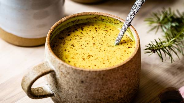 Turmeric-Golden-Milk-Recipe-Image-1-9310