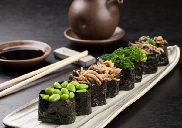 Marcio Shaffer - Gunkan de shimeji, edamame e brócolis
