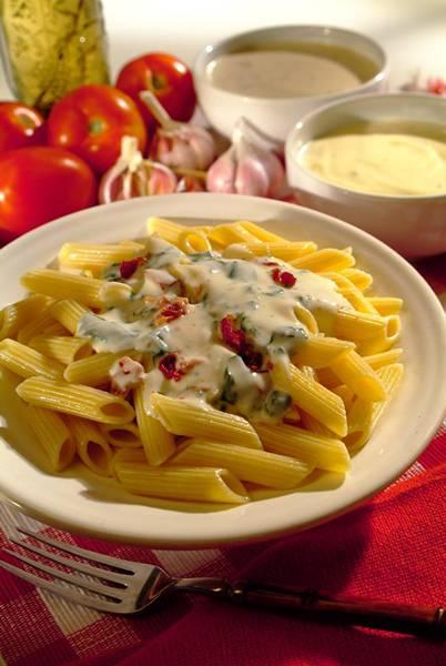 Penne Adria ao Molho de Espinafre com Tomate Seco