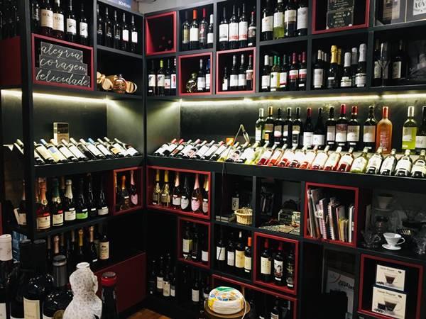 adega wine.jpg