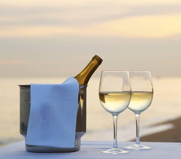 vinho verao praia branco.jpg