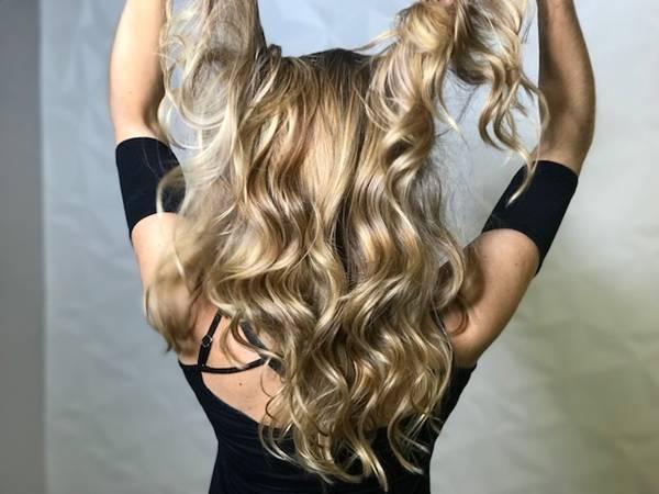 cabelos longos loiros.jpg
