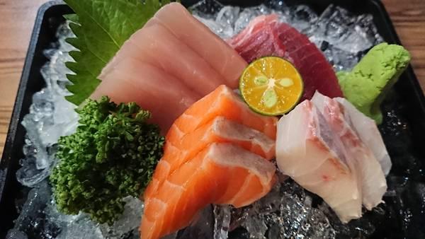 sashimi peixe cru pixabay