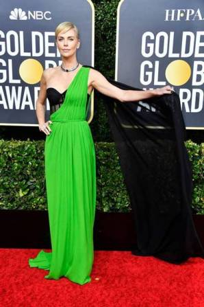 golden-globes-red-carpet- charlize theron - getty images