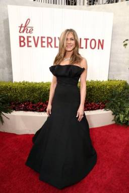 jennifer aniston - E! Entertainment