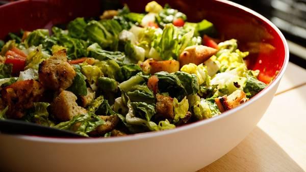 salada com crouton pixabay