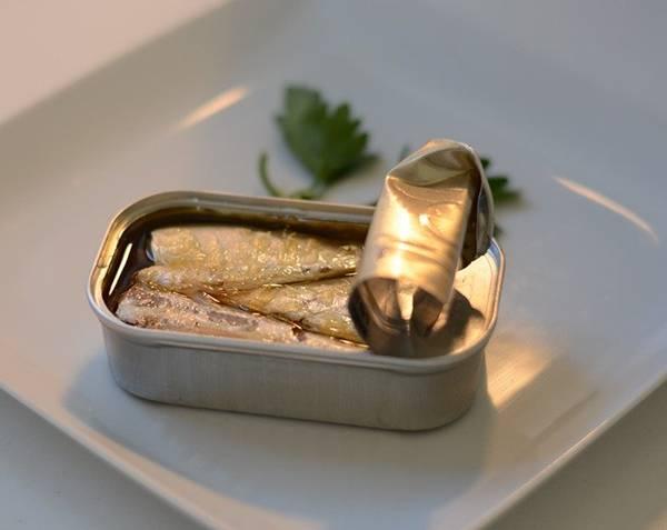 sardinhas em lata pixabay