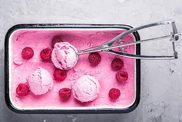 Sorvete de framboesa com água de rosas alta_Foto Divulgação