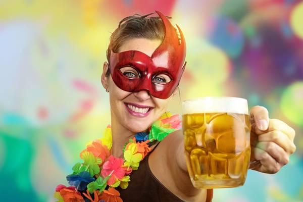 Carnaval mulher cerveja
