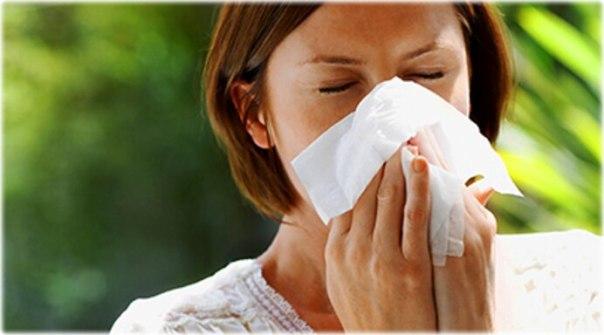 thinkstock mulher lenço espirro