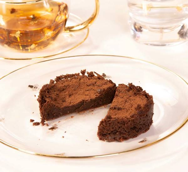 Bolo-molhado-de-chocolate-belga-54%--sem-gluten-e-sem-lactose-