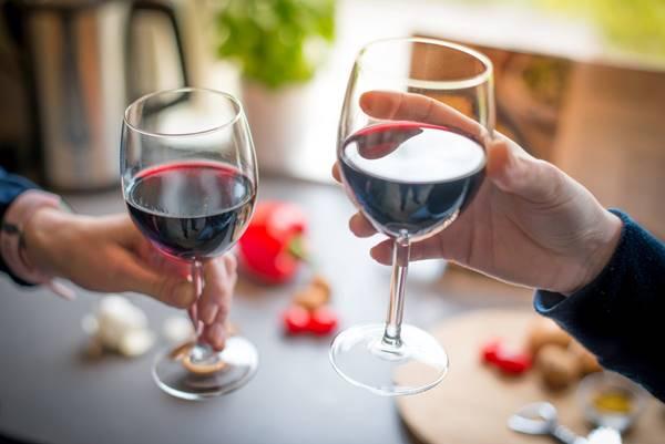 vinho brinde pexels