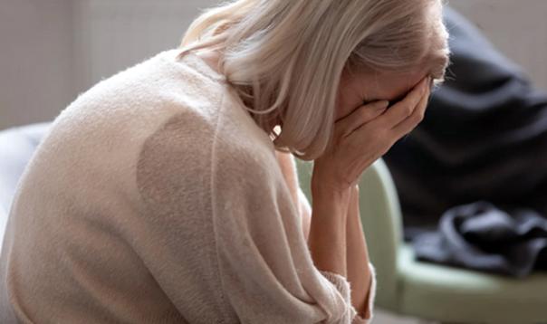 mulher madura medo tristeza depressao