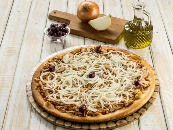 Pizza-de-Atum-com-cebola