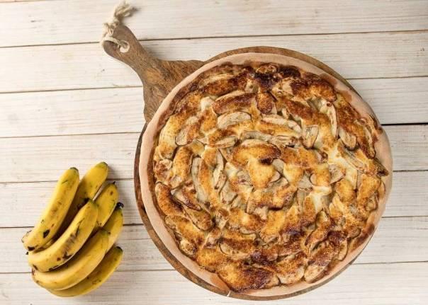 Pizza-de-Banana-Caramelizada-com-chocolate-branco