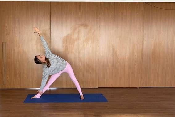 yoga trinagulo estendido
