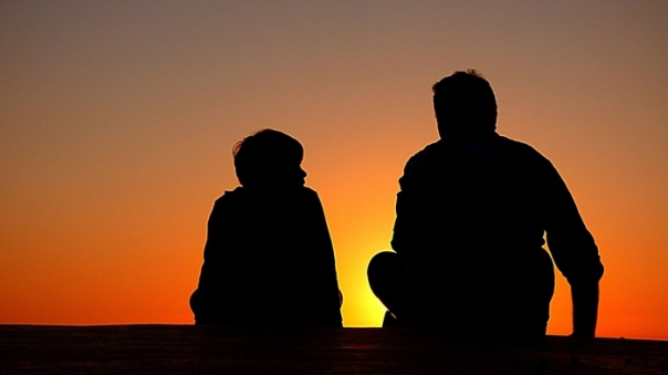 pai e filho Free-Photos por Pixabay